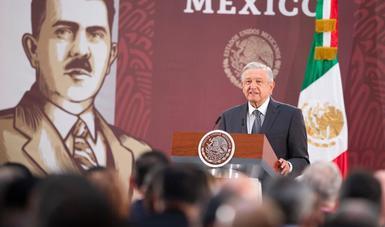 Presidente llama a trabajadores a ejercer libertad sindical; robo de combustibles se redujo 91%