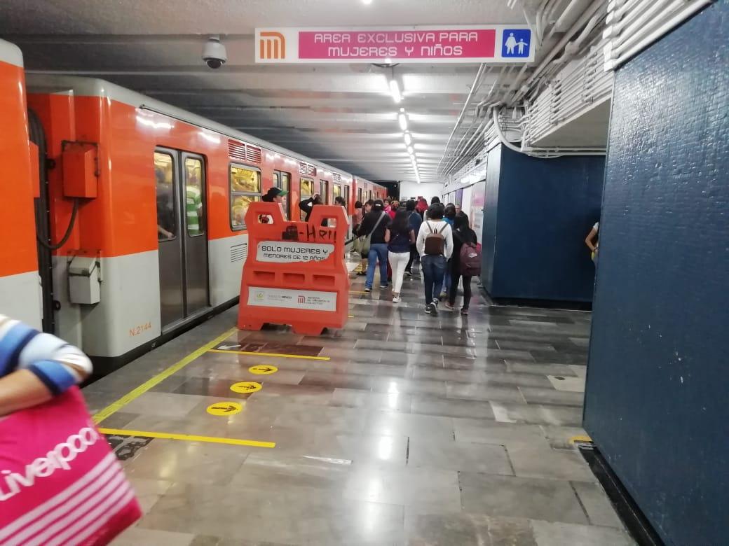 Historias en el Metro - Solo para mujeres