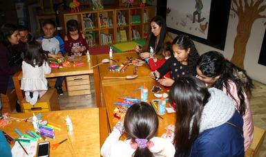 """CECUT pone a cantar y a dibujar al público infantil con """"Cuántos cuentos cantas"""""""