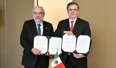 Impulsarán SRE y UNAM apoyo científico y tecnológico a connacionales en el exterior
