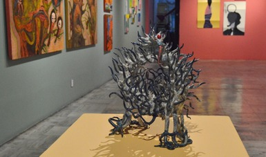 Creadores de diversas generaciones dialogan con un arte ecléctico y delirante en la Galería José María Velasco