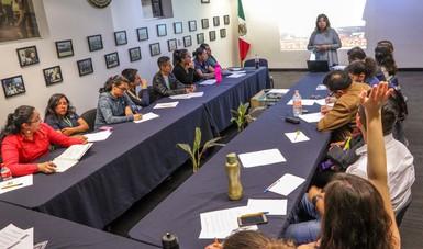 Capacitan a 100 oficiales del Senasica en materia de derechos humanos