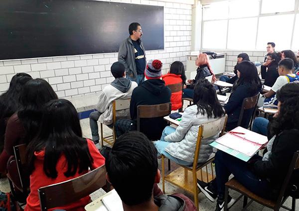 Reinician actividades académicas alumnos de sexto grado de la prepa 9