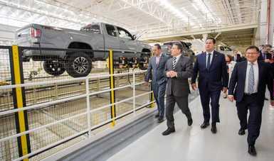 Inaugura la compañía automotriz Toyota segunda planta en México