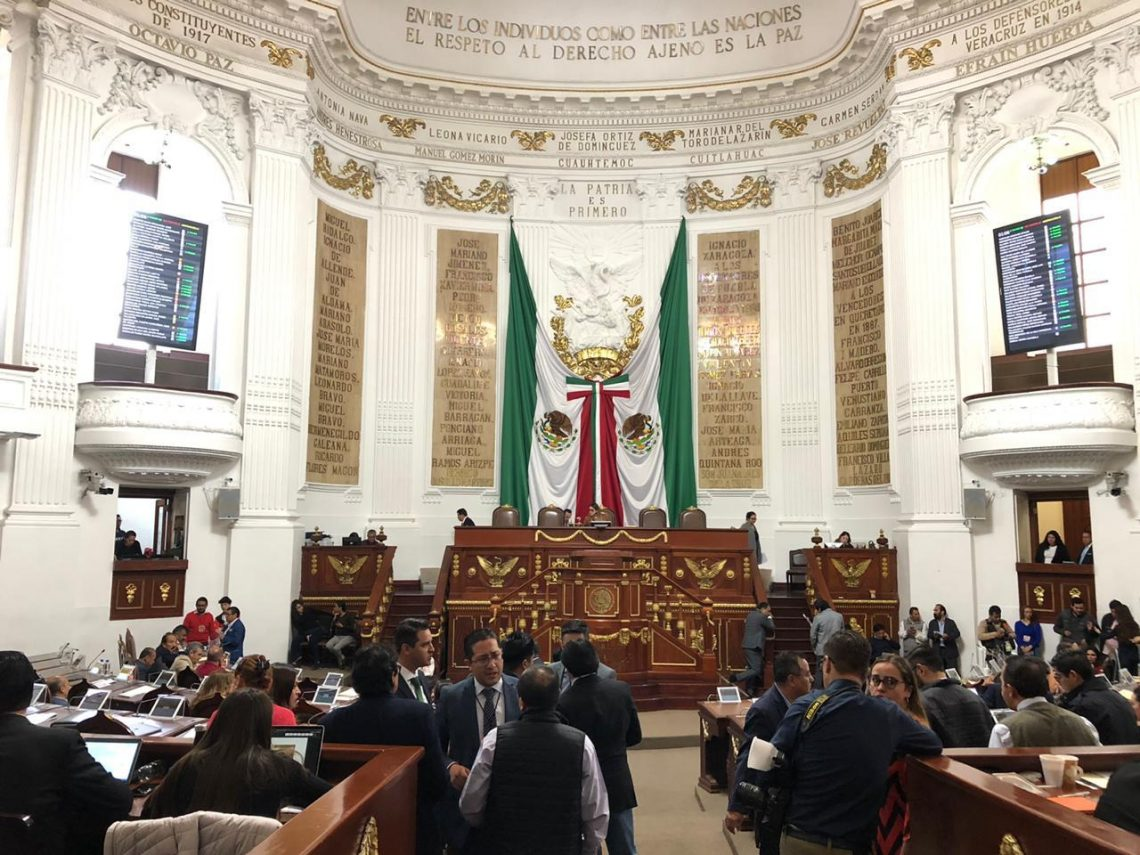 El Congreso de la Ciudad de México exhortó a varias dependencias revisar los trámites para la operación del servicio de transporte público individual de pasajeros