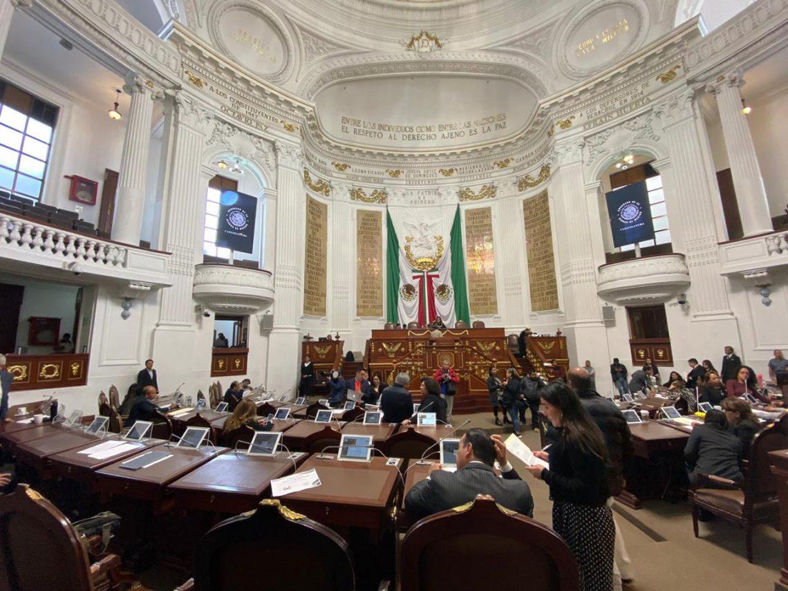 Presentan en la sesión ordinaria del Poder Legislativo local iniciativas de reforma en materia penal