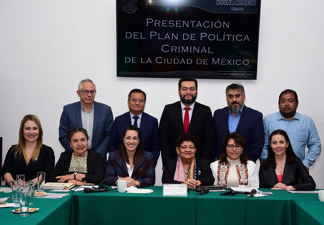 La titular de la Fiscalía General de Justicia presentó ante diputadas y diputados elPlan de Política Criminalde la Ciudad de México