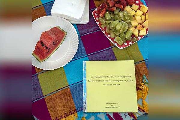 Elabora la UNAM con mujeres internas, recetario para alimentarse en prisión