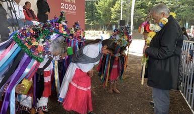 Durante 2020, todos los hogares indígenas recibirán al menos un Programa de Bienestar, afirma presidente en Amealco de Bonfil