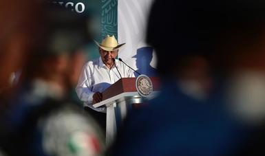 Sean incorruptibles, exhorta presidente a elementos de la Guardia Nacional al inaugurar instalaciones en Sahuayo