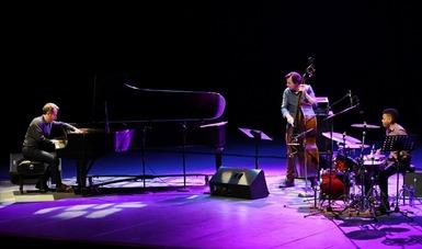Aaron Goldberg deleitó con su música al público en el CECUT
