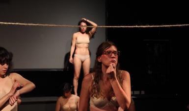 """El proyecto """"Mujeres"""" es una reflexión escénica  sobre el hecho de ser mujer en México."""