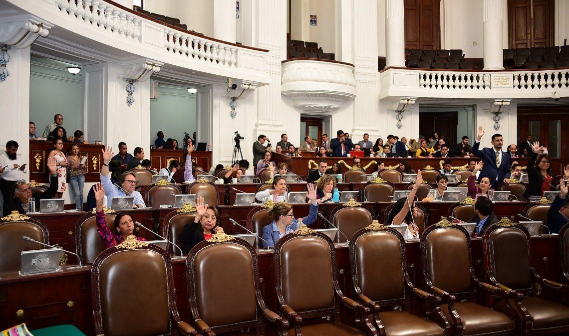 Diputados presentan iniciativas sobre paridad de género, educación, imagen institucional y centro de reclusión
