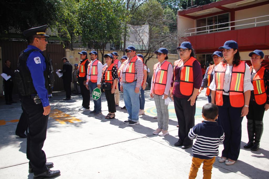 Toma protesta la Primera Brigada de Seguridad Escolar en la Ciudad de México