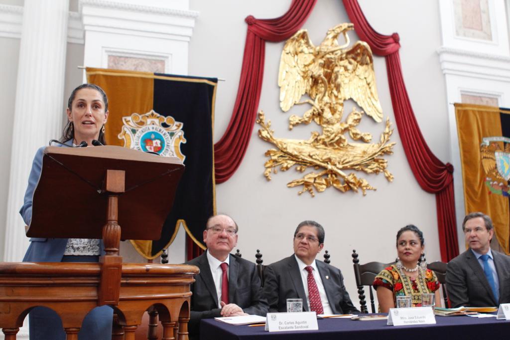 Refrenda Jefa de Gobierno autonomía de la UNAM