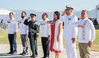 Encabeza Frausto Guerrero ceremonia por el Día de la Bandera en Iguala
