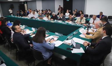 Víctor M. Toledo informó a senadores el estado que guardan los temas ambientales del país