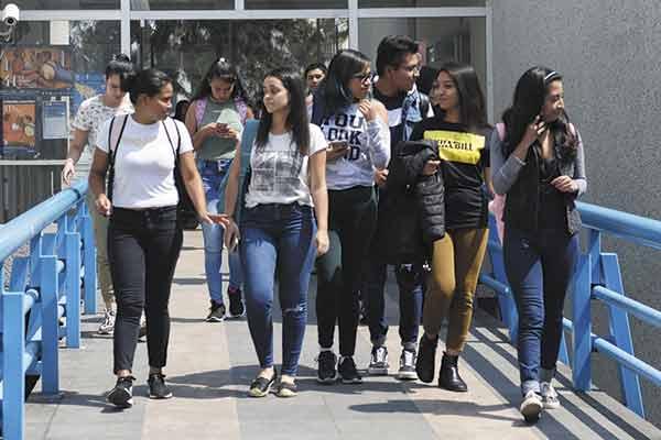 Imparte la UNAM asignaturas de género