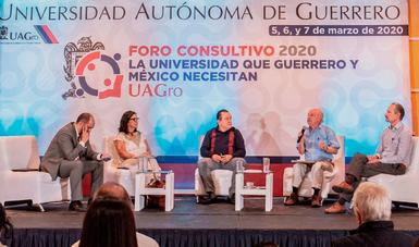 Universidades, clave para gestar el conocimiento que permita superar la doble crisis mundial: Víctor M. Toledo