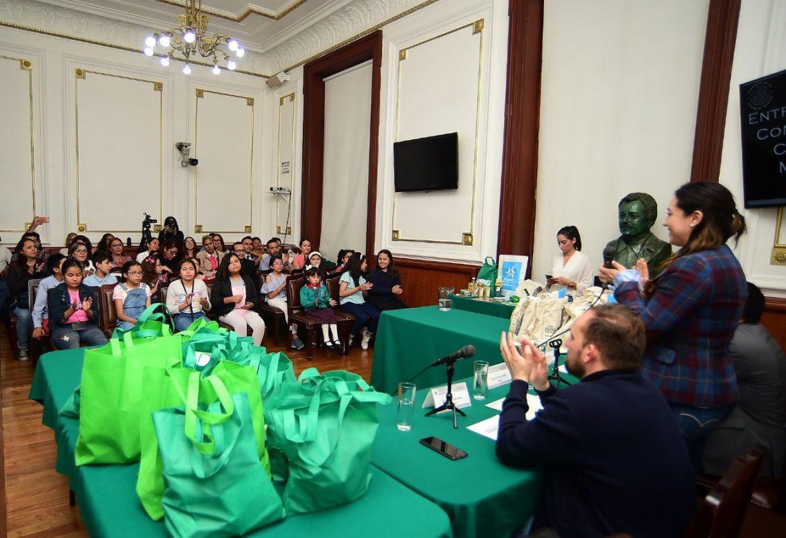 """En el Congreso de la CDMX premian a niñas y niños ganadores del concurso de dibujo """"Imagina tu Ciudad en Paz y un Mundo Sin Armas Nucleares"""""""