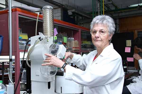 """Investigadora de la UNAM, primera latinoamericana en recibir el Premio """"Norman R. Farnsworth"""""""
