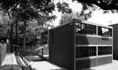 El funcionalismo y las casas de Juan O'Gorman, tema paralelo en la muestra fotográfica Frida por Munkácsi