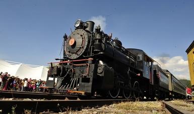 """""""Contigo en la distancia"""" desde elMuseo Nacional de los Ferrocarriles Mexicanos"""