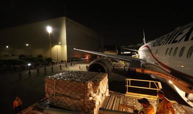Frente a COVID-19, llega a México segundo embarque con equipo de protección para personal de salud