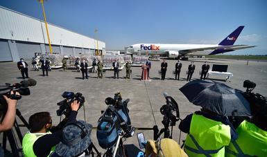 Llegan a México 211 ventiladores de EEUU para reforzar la atención hospitalaria a pacientes por COVID-19
