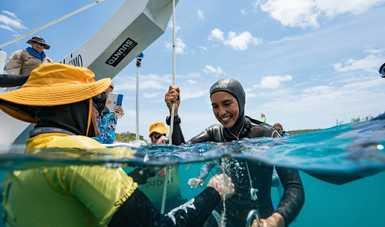 Camila Jaber, récord nacional de buceo libre, un ejemplo que inspira la conservación del Gran Acuífero Maya