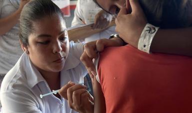 La vacunación previene enfermedades graves y salva vidas