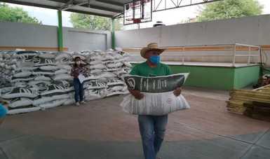 Reporta Agricultura avance del 56 por ciento en la entrega de fertilizantes en Guerrero