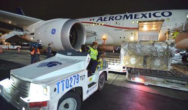 Gobierno federal recibe 88 ventiladores a través del puente aéreo México-China para atención a la emergencia sanitaria