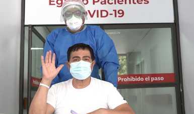 En día histórico, Hospital Juárez de México da de alta a 12 pacientes recuperados de COVID-19