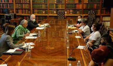Recibe secretaria de Gobernación a familiares de víctimas de feminicidio y defensoras de derechos humanos