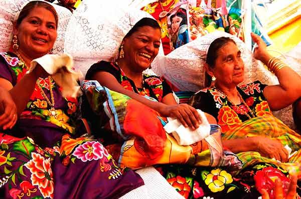 Luchan pueblos indígenas contra toda adversidad