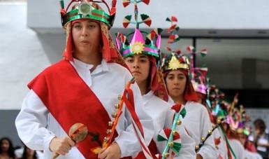Celebran con música y danza el Día Mundial del Folclor