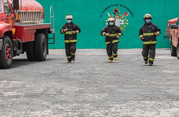 ¡No sólo combaten al fuego! bomberos de la UNAM realizan trabajo multidisciplinario