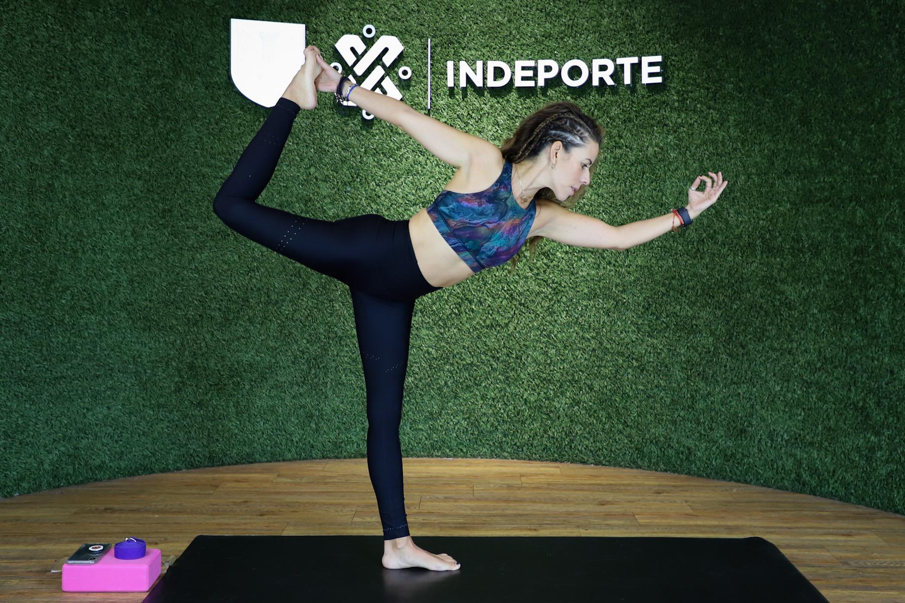"""Activa INDEPORTE a ciudadanía con clases de yoga en línea en """"Ponte Pila En Casa"""""""