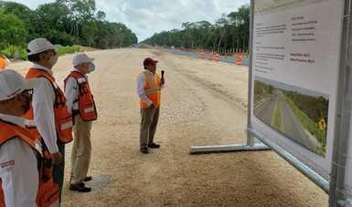 Supervisa el Secretario de Comunicaciones y Transportes, Jorge Arganis Díaz Leal, obras carreteras en Yucatán