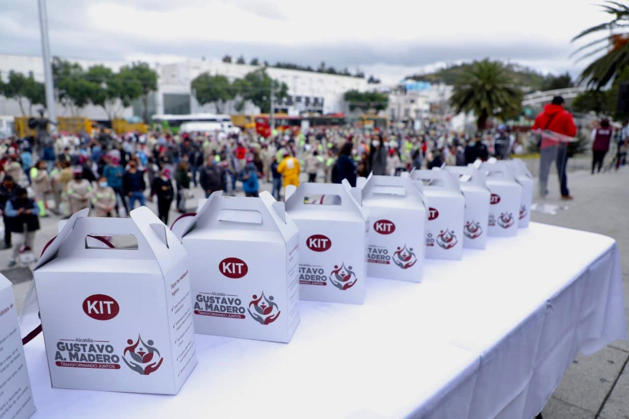 La alcaldía Gustavo A. Madero entrega kits de protección a personal operativo