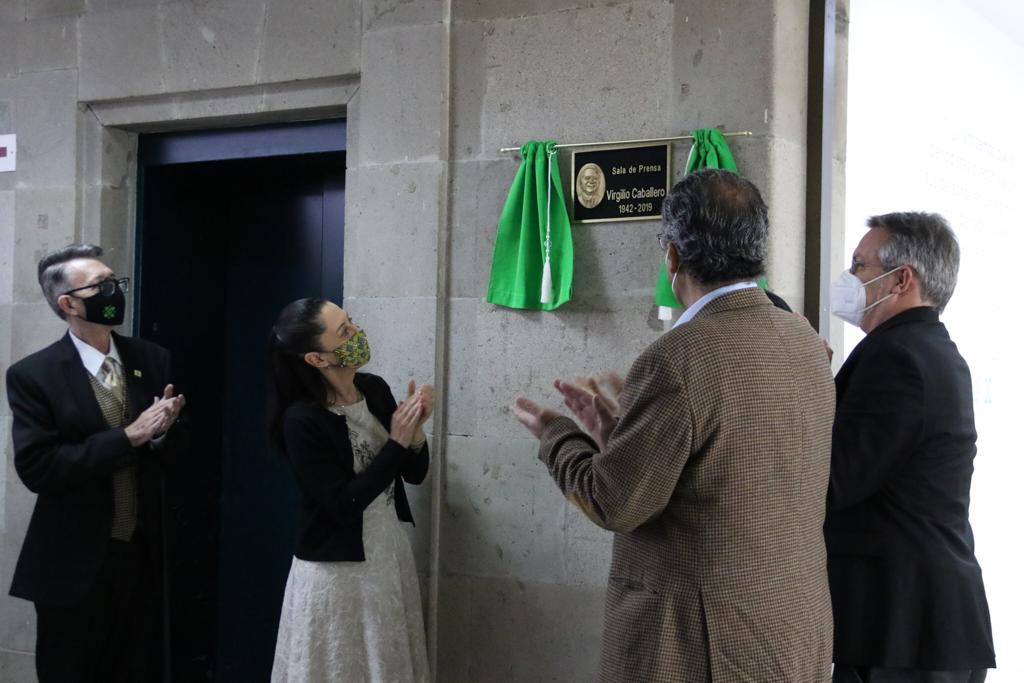 Devela Jefa de Gobierno placa en honor a Virgilio Caballero