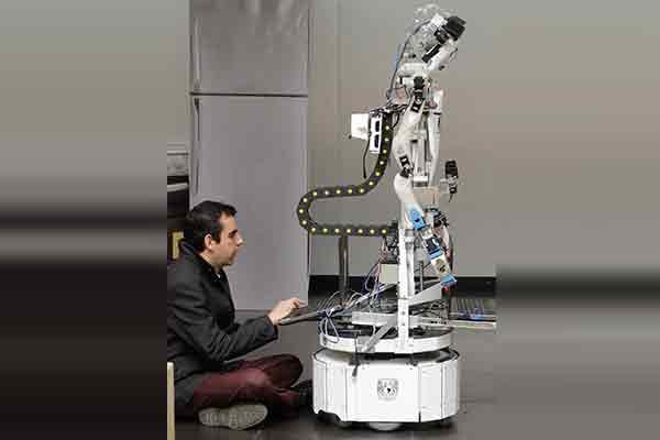 Avanzan expertos de la UNAM en diseño de robots de servicio