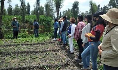 Semarnat impulsa la primera escuela agroecológica chinampera