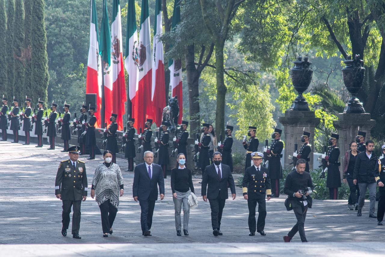 Acompaña Jefa de Gobierno al Presidente de México a la ceremonia por el CLXXIII aniversario de la gesta heroica de los Niños Héroes en Chapultepec