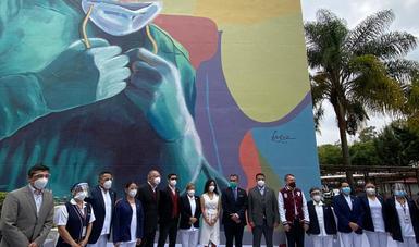 Presenta Gobernación murales artísticos como estrategia de concientización para evitar agresiones y discriminación contra personal de salud