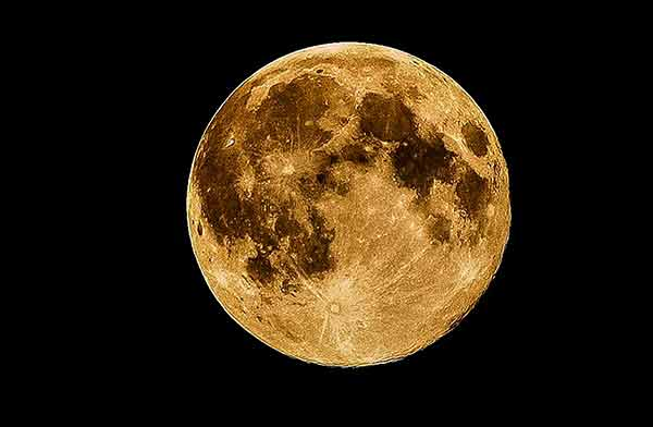 La Tierra, responsable de oxidación de suelo lunar