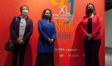 Autoridades del INBAL y el Instituto Cultural de Aguascalientes  recorren la exposición del XL Encuentro Nacional de Arte Joven