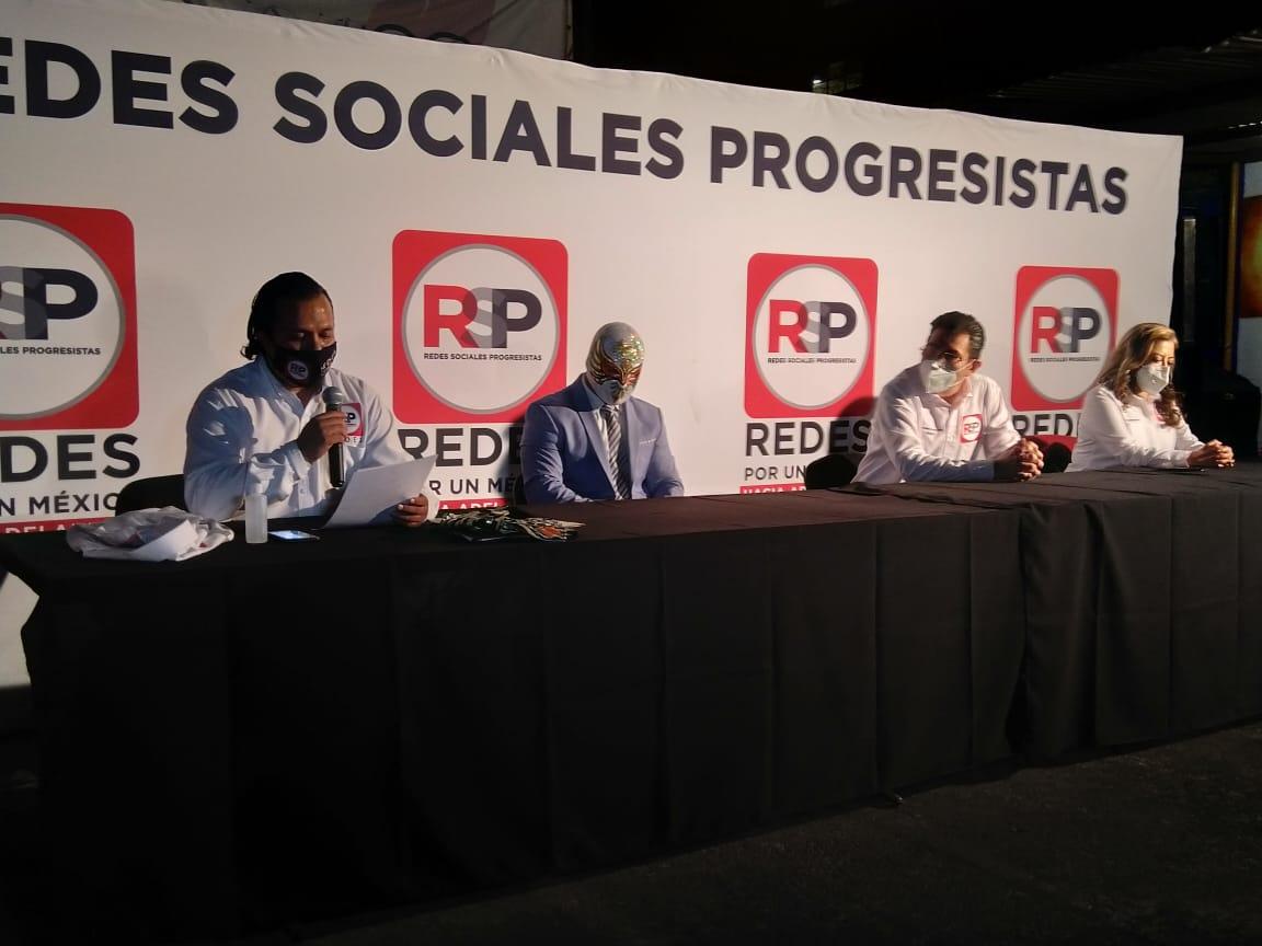 Antuñano sube al ring político a Carístico con Redes Sociales Progresistas