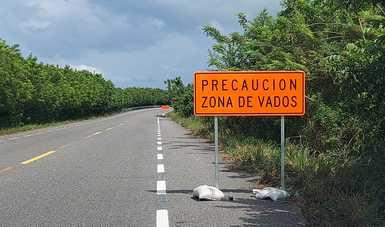 Coloca SCT señalamientos en la carretera Villahermosa-Frontera para seguridad de conductores